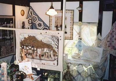 『 布と糸つくる夢展 』 2004 - 1